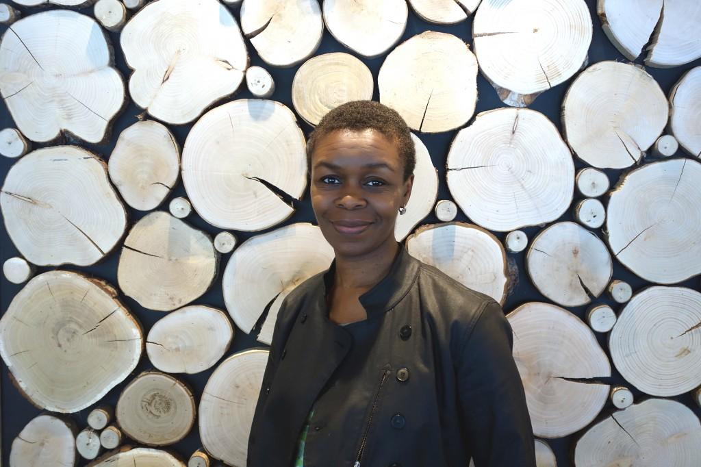 Kidi Bebey, journaliste, éditrice, auteure, kidibebey.fr