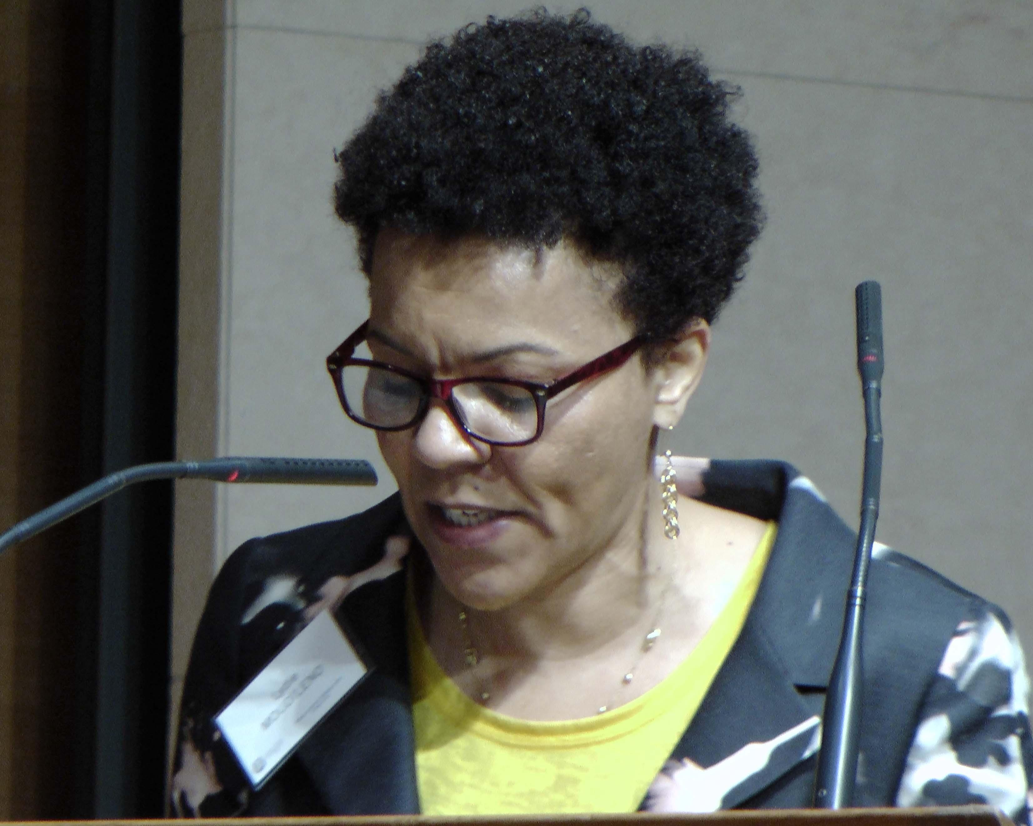 Lydie Moudileno au Collège de France, le 2 mai 2016, vagabondssanstreves.com,