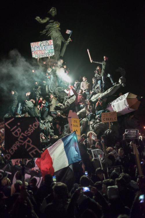 Martin Argyroglo, Marche républicaine en soutien aux victimes de l'attentat contre le journal Charlie Hebdo le 11 janvier 2015 à Paris - Place de la Nation - Je suis Charlie, blog.martin-argyroglo.com